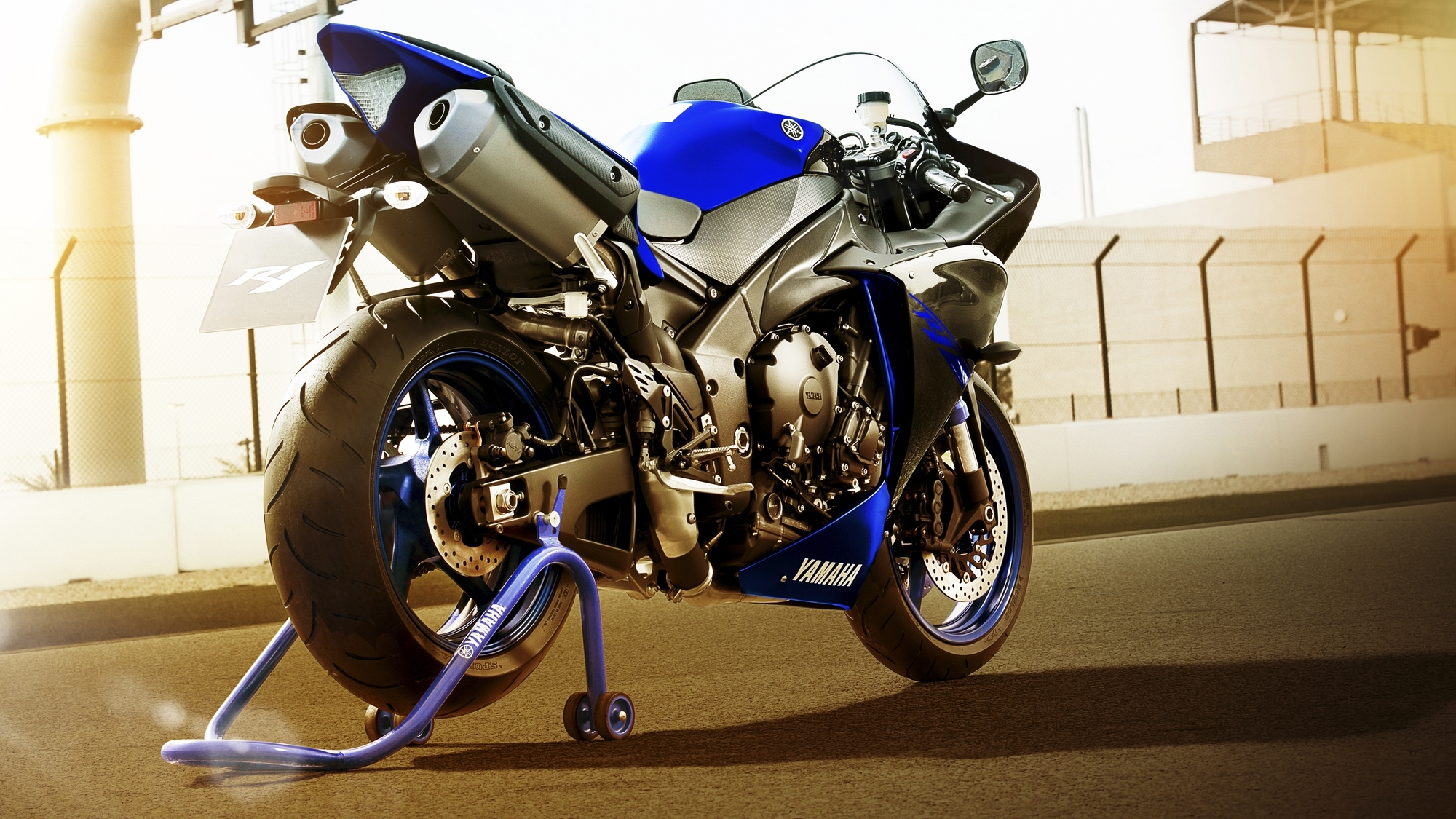 Yamaha motorcycles r1 2014 for Yamaha r1 2014