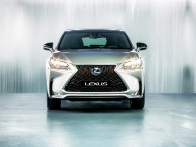 Lexus-automotive-JDWolters-vanroon-matthijs-photography-fotografie-400x300