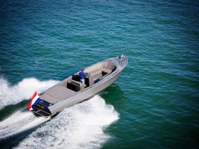 boats-02z8804-400x300